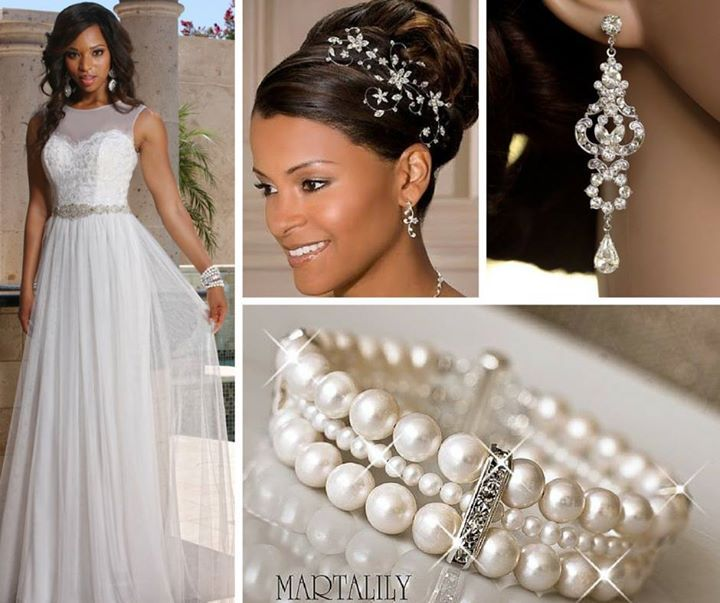 Here's a great look for a destination wedding from our DaVinci Bridal informal collection. See more here: http://bit.ly/1MUfNvq