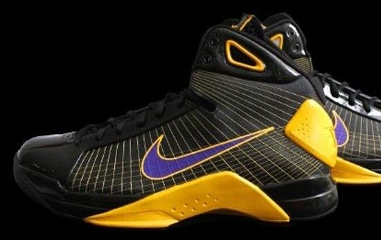 Kobe Bryant Shoes Pictures: Nike Hyperdunk Kobe Bryant PE Lakers .
