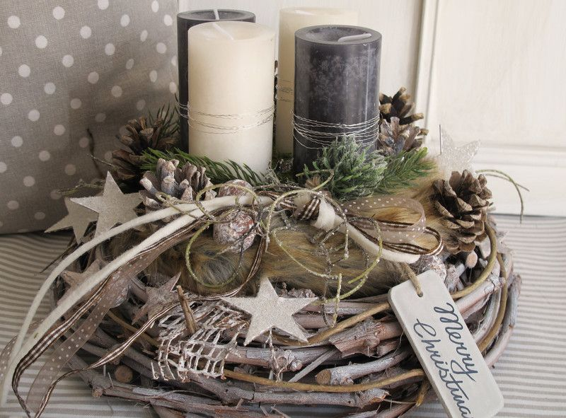 aufwendig gestalteter nat rlicher adventskranz merry. Black Bedroom Furniture Sets. Home Design Ideas