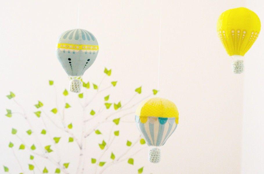 diy un mobile b b montgolfi res bricolage rangement. Black Bedroom Furniture Sets. Home Design Ideas
