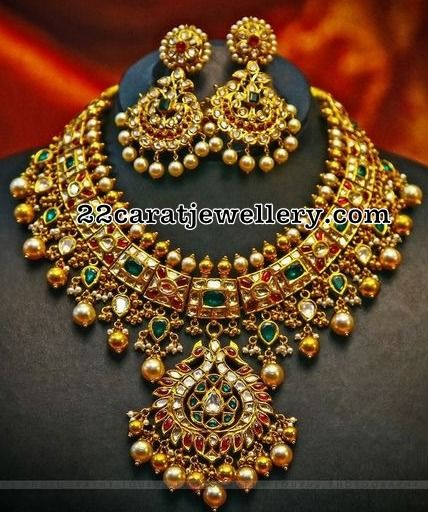 Kundan Necklace with Earrings Indian jewelry Jewel and Gold