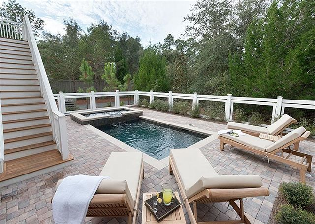 Backyard At Sea Haven Dipping Pool Hot Tub Total Privacy And