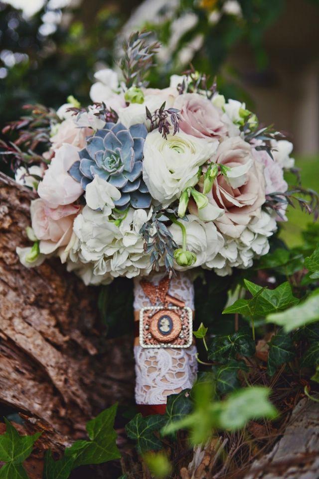 Blumen Im Brautstrauss Extravagant Schon Griff Mit Spitze Dekoriert