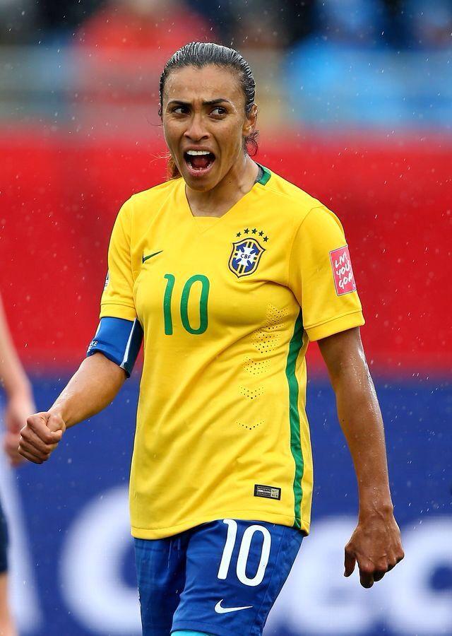 Futuro sem Martas  Brasil sofre em busca de base no futebol feminino ... a19b12e15ea90
