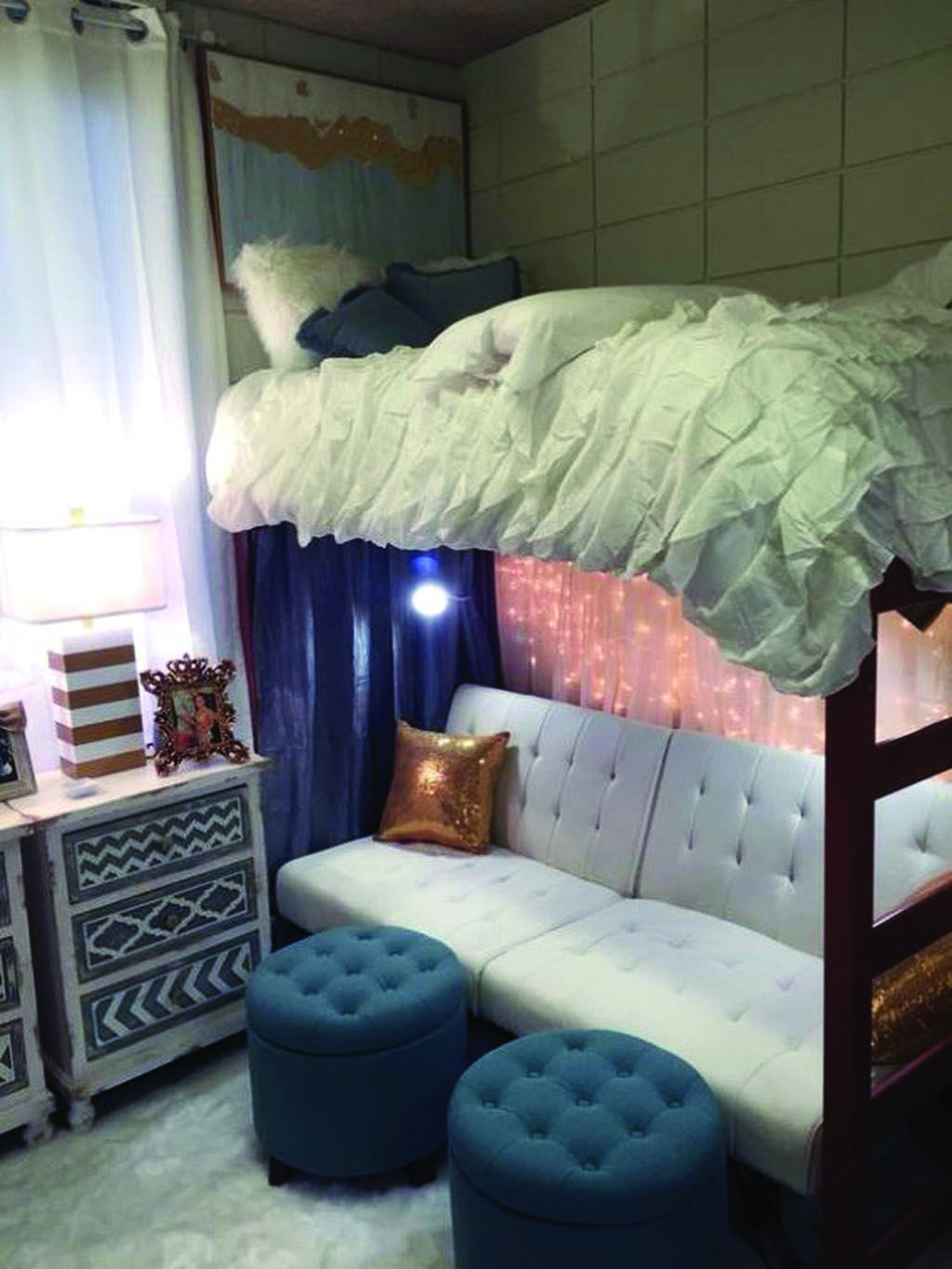 Adolescent Bedroom Ideas That Are Actually Enjoyable And Cool With Images Dorm Room Inspiration Dorm Room Diy Dorm Room Designs