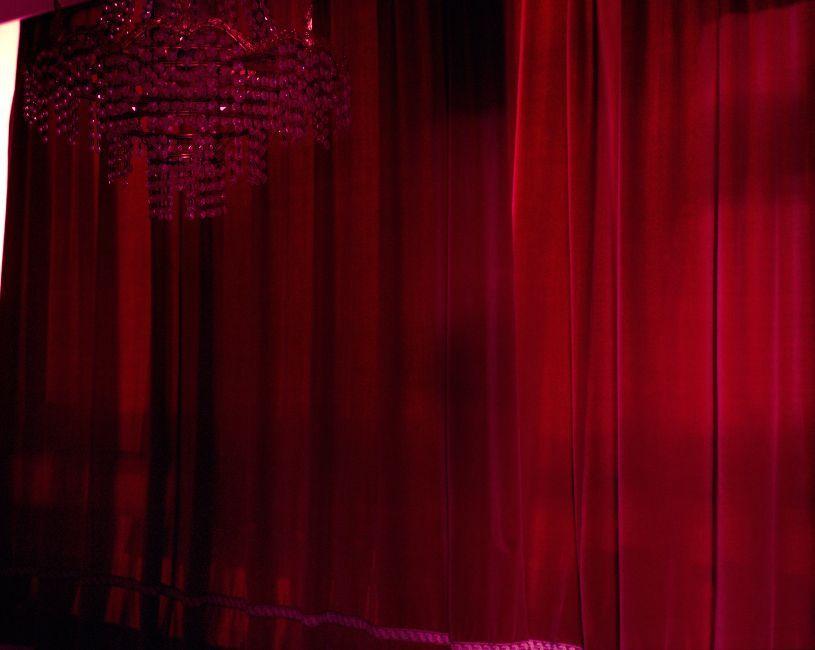 S 02 Red Curtain C Gert Jochems East Wing Ae Qa