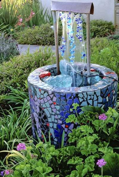 Mosaic wishing well - gorgeous idea for my someday sitting garden, and fun to do with kids.