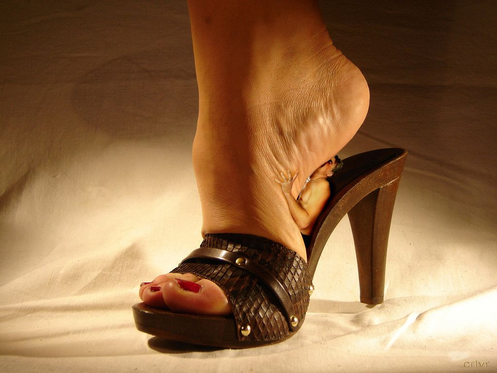 Profile Pictures, Clogs, High Heels, Footwear, Shoes Sandals, Shoe, Clogs  Shoes, High Heeled Footwear, Profile Photography