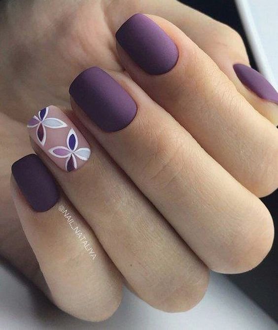 Some Flowers For You 3 Nails Floral Simple Manicure Purple Nail Art Cute Nail Art Designs Stylish Nails Designs