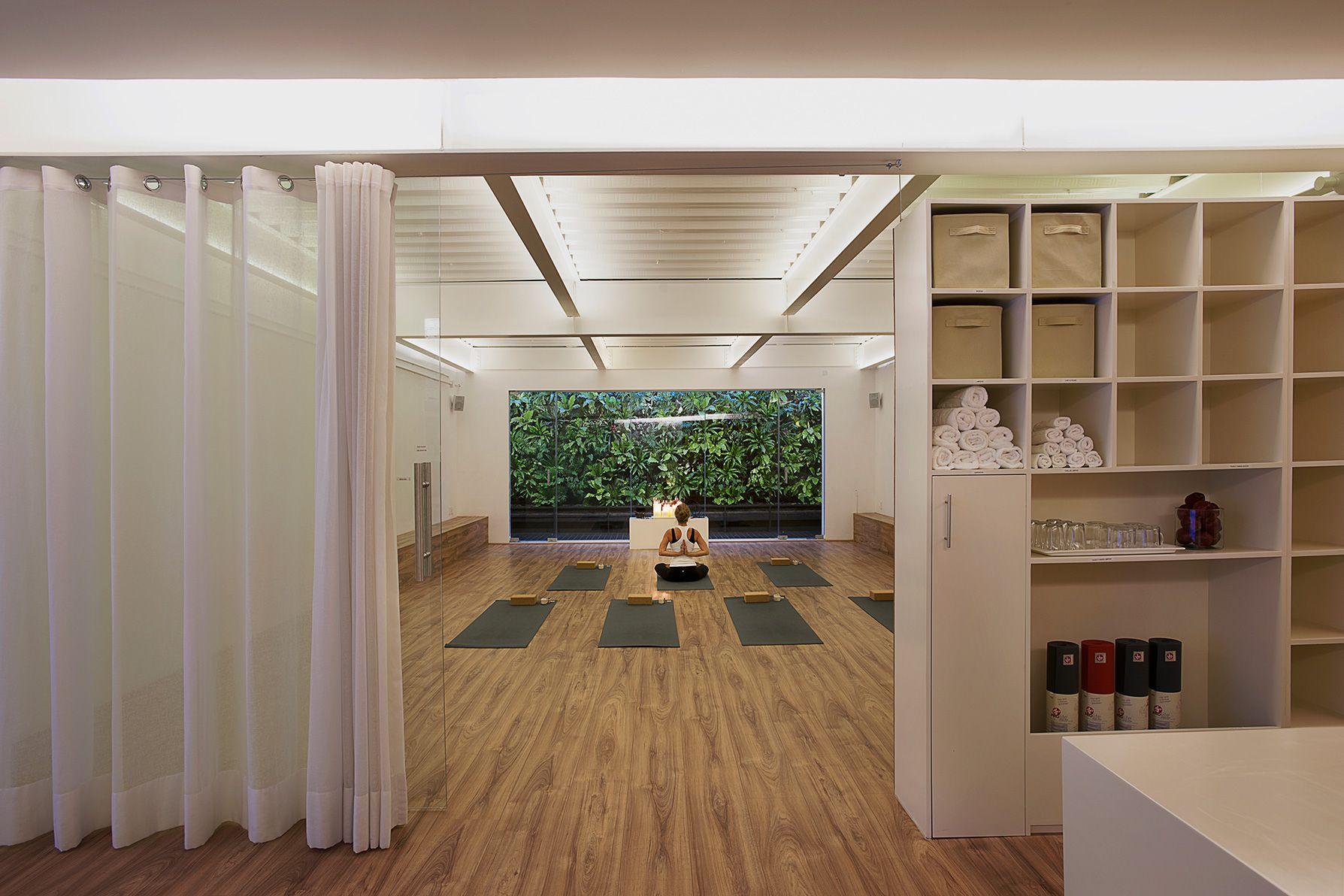 Ezequiel Farca Sala De Yoga Decoración Estudio De Yoga Diseño De Estudio De Yoga