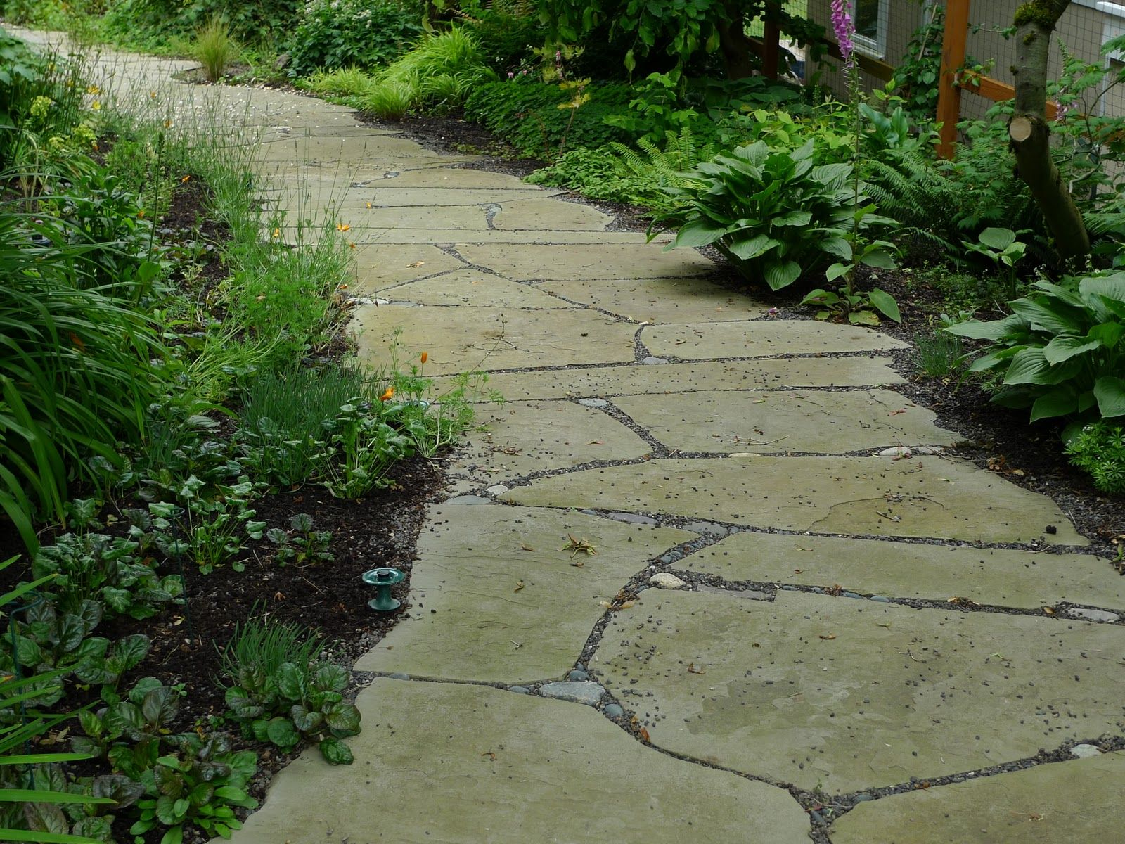 Garden Paths Stone | Stone Garden Path Ideas