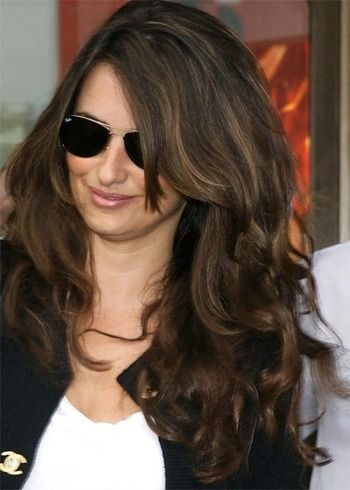 Penelope Cruz Hairstyles You Could Steal Hair Styles Hair Cool Hairstyles