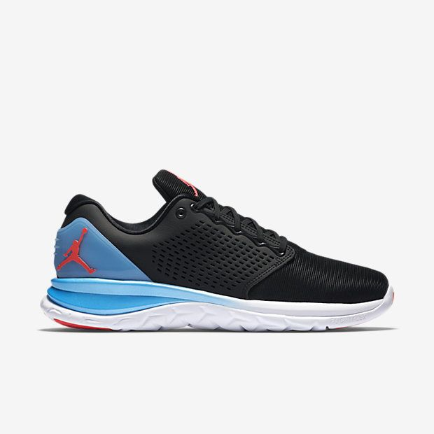 SUPERIOR SUPPORT AND RANGE OF MOTION The Jordan Trainer ST Premium Men's  Training Shoe features a