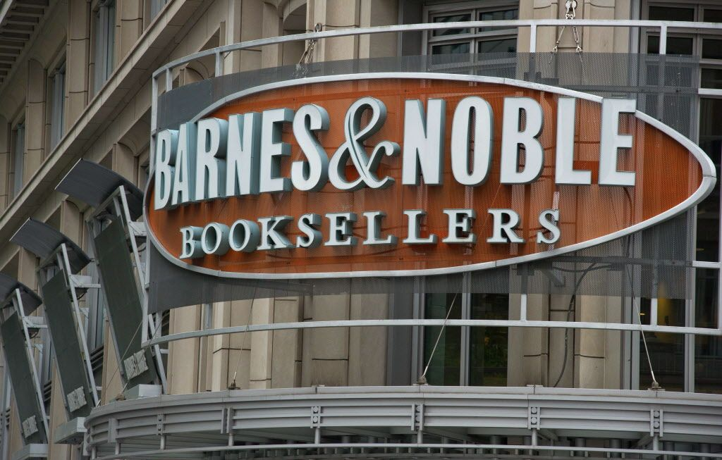 Barnes noble closes the book on nook with images