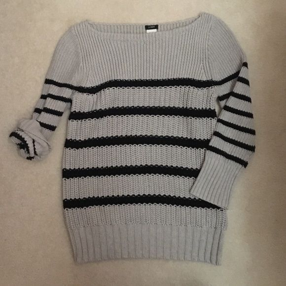J.Crew || Striped Sweater Grey & navy striped sweater. Cozy and simple. ☺️ no tags, worn before, still excellent condition! J. Crew Sweaters Crew & Scoop Necks