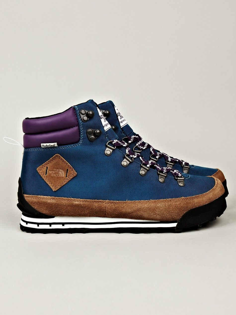 The North Face Men's Back to Berkeley Hiking Boots in blue / tan at oki-ni