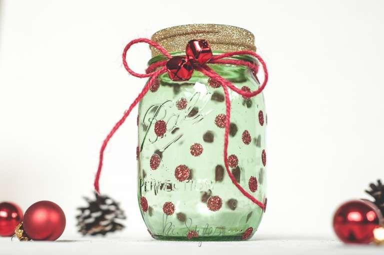 Holiday mason jar round up sprinkled and painted at ka