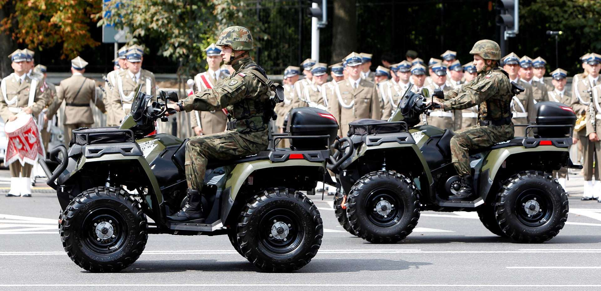 Los Ejércitos Más Poderosos De 2015 Ejercito Formas Del Ojo Colores De Piel
