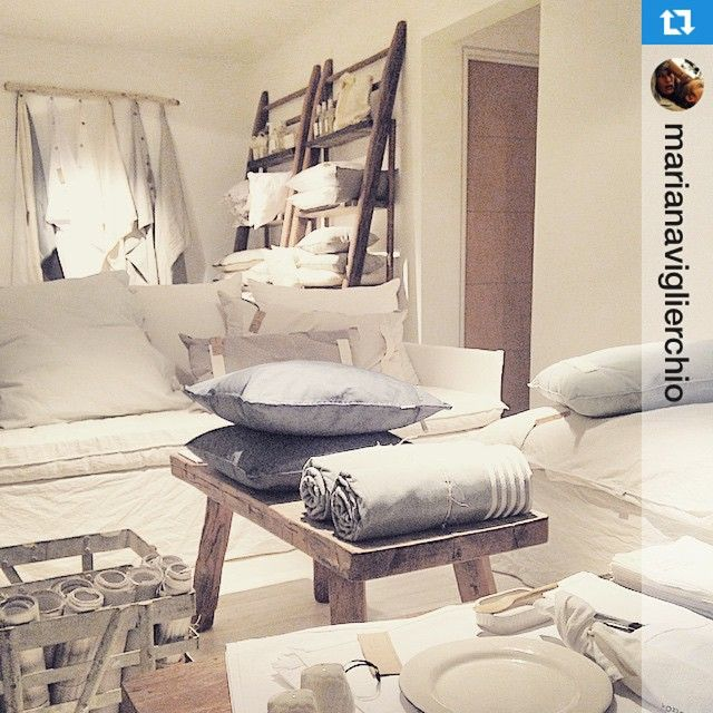 "52 Me gusta, 4 comentarios - HANDS OFF! (@handsoff2010) en Instagram: ""YES! We're #OPEN! ・・・#EstiloPilar2015 #HandsOff #Home #Design #Whiteness del 19 de marzo al 12 de…"""