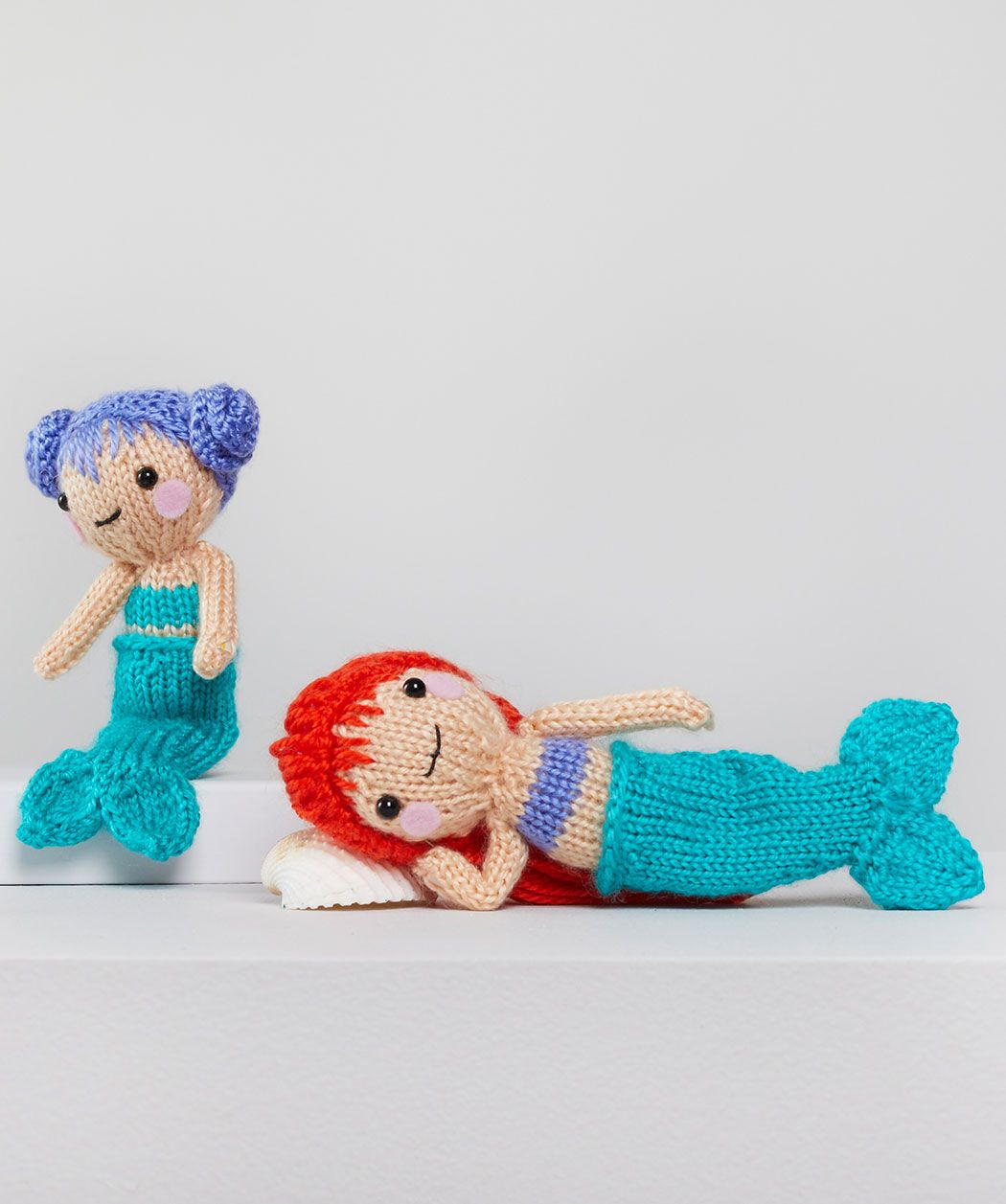 Red Heart Dia & Mia Mermaid | Yarnspirations | 1257x1050