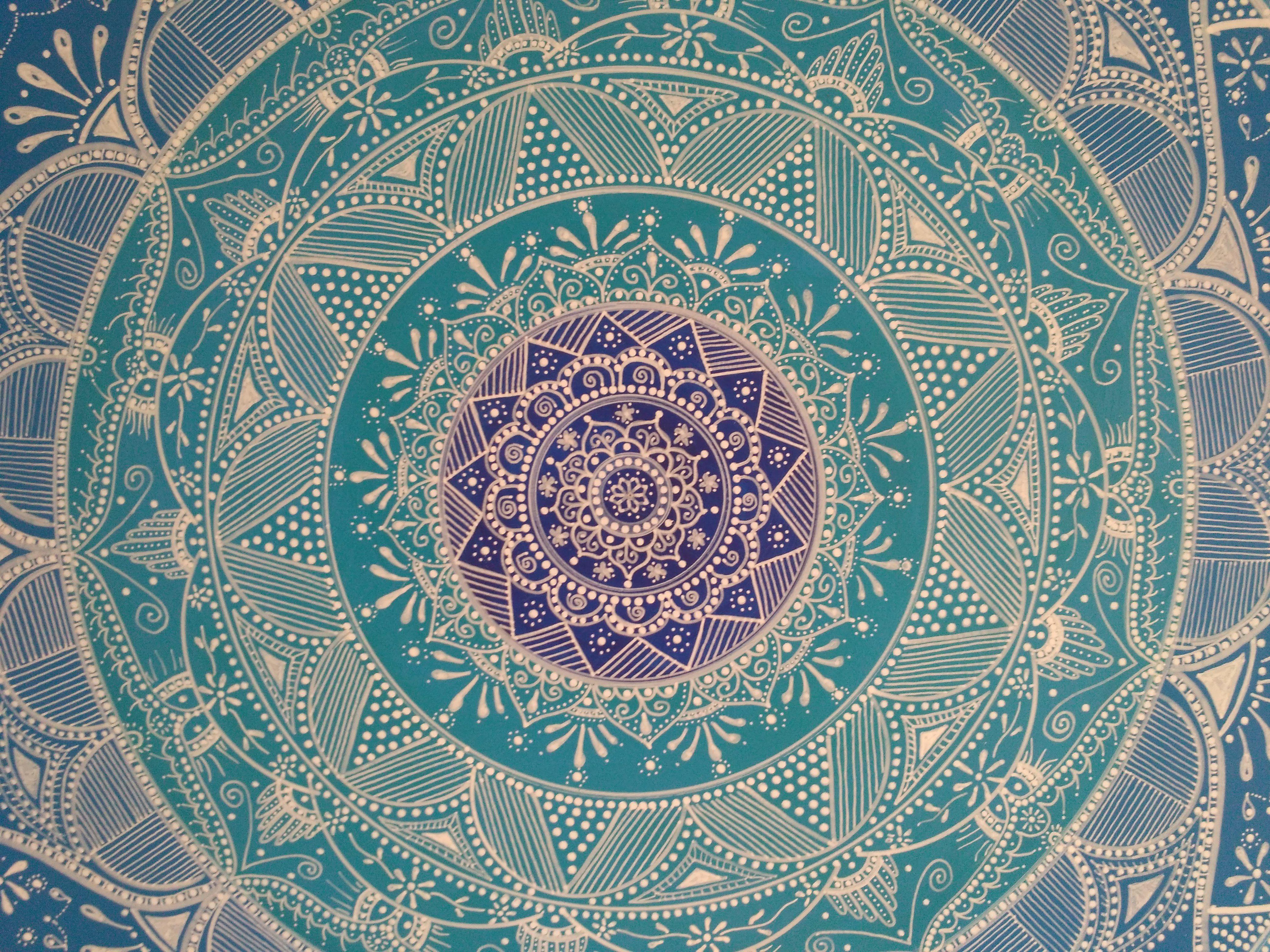 Cabecero cuadro mandala realizado en dm con acrilicos y dibujado a mano alzada con rotuladores - Cabecero mandala ...