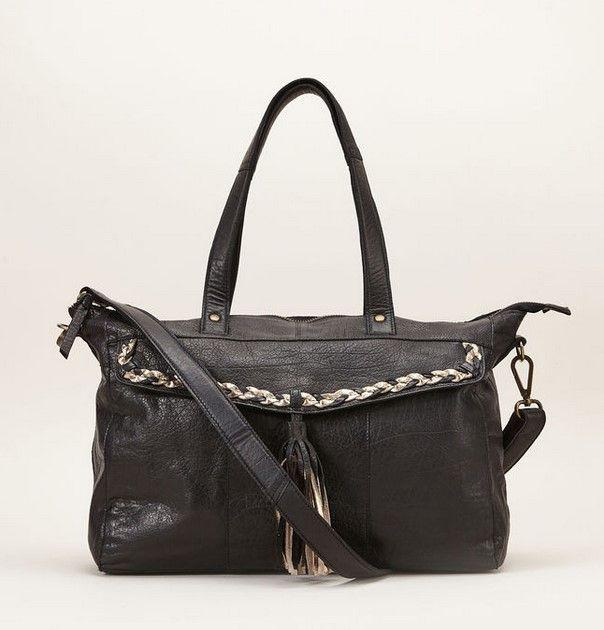 d092010cbb Pieces Sac noir en cuir de buffle avec fantaisies pas cher prix Sacs  Monshowroom 129.99 €