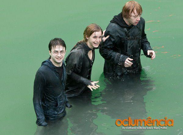 X) look at Ron