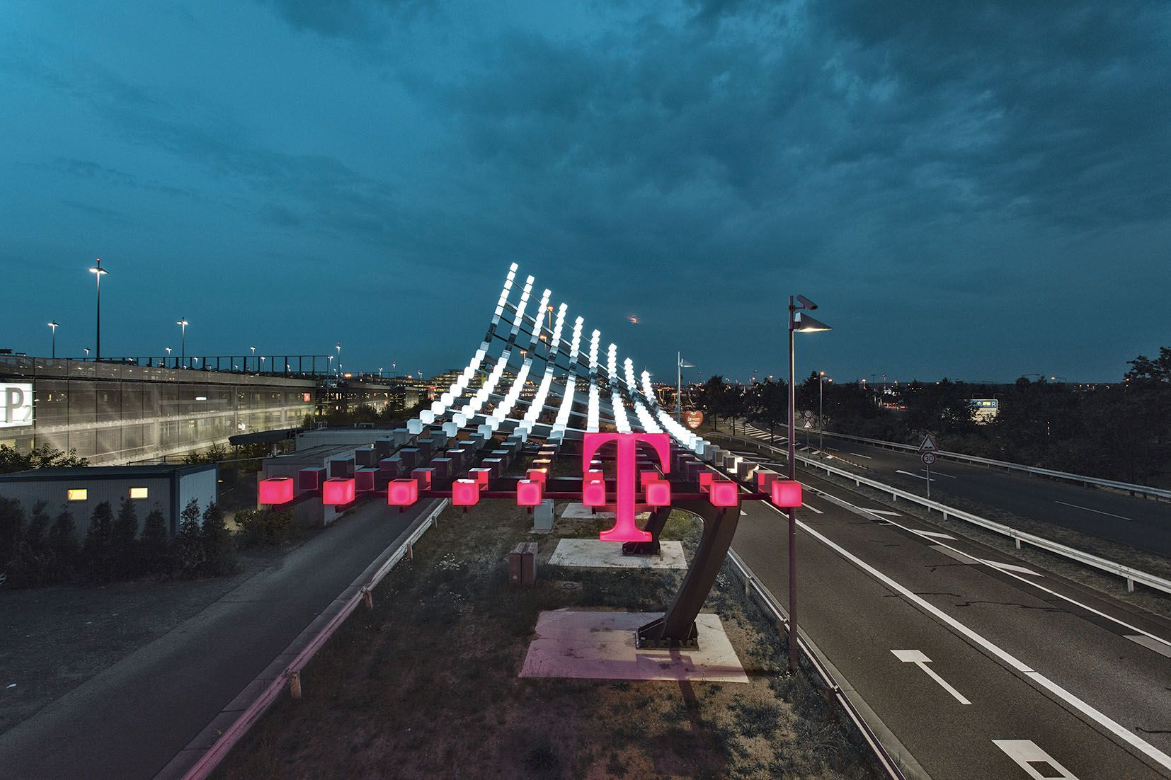 "Telekom Light Installation ""TakeOff"" Mutabor Design GmbH"
