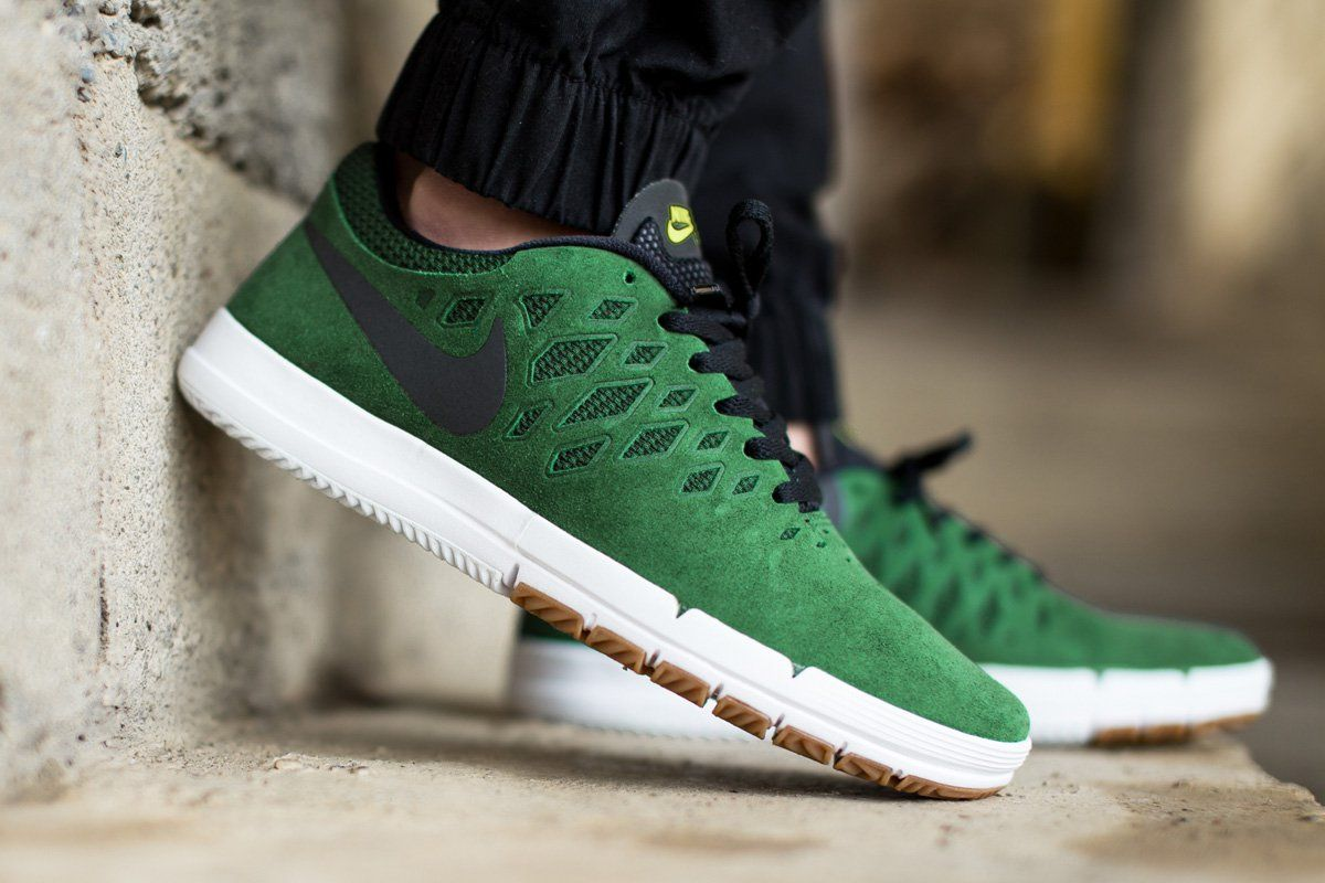 45136e1a3e42 Nike Free SB