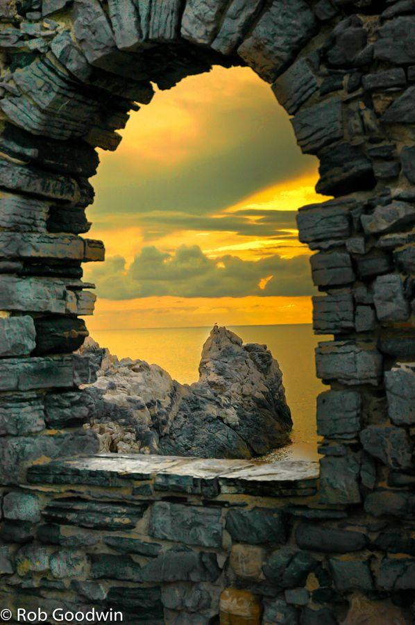 Portavenere Arch to Sea