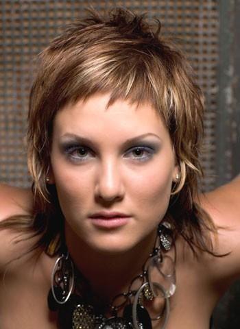 Frisyrbilder- Kvinnor kort hår  frisyrbild nummer