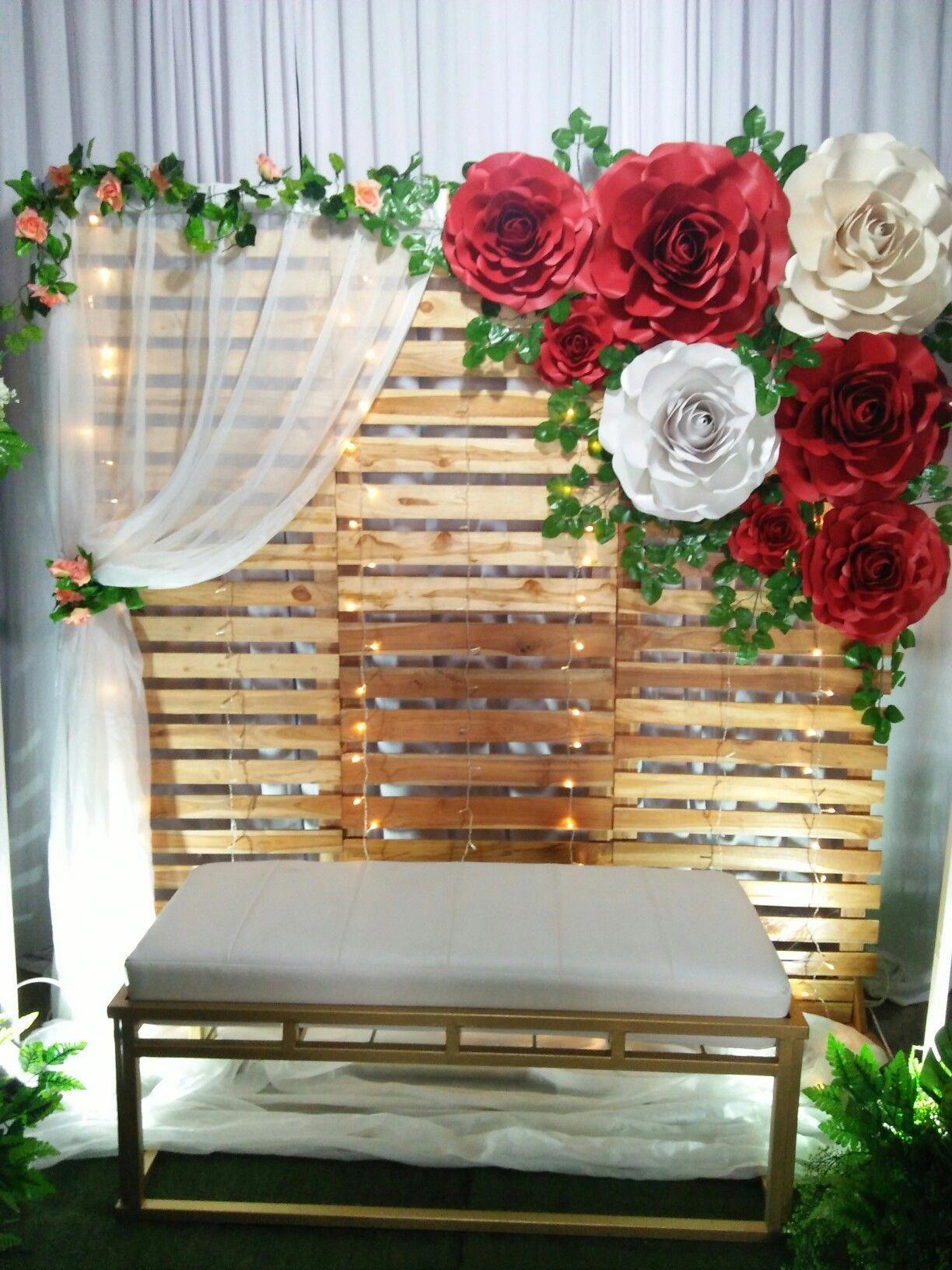 Bois fleurs en papier banquette arrière plan cérémonie ...