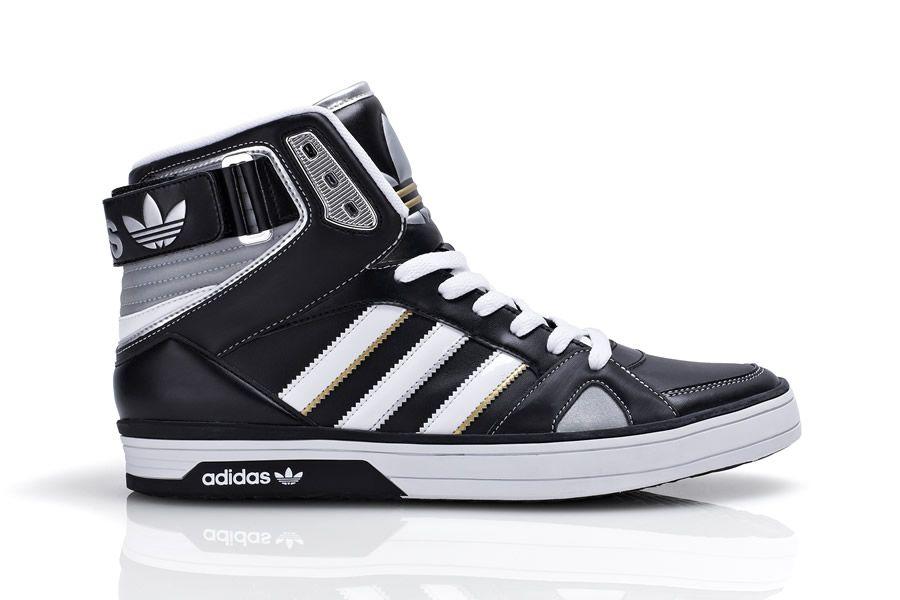 foot locker presenta adidas medal pack shopcapcentre. Black Bedroom Furniture Sets. Home Design Ideas