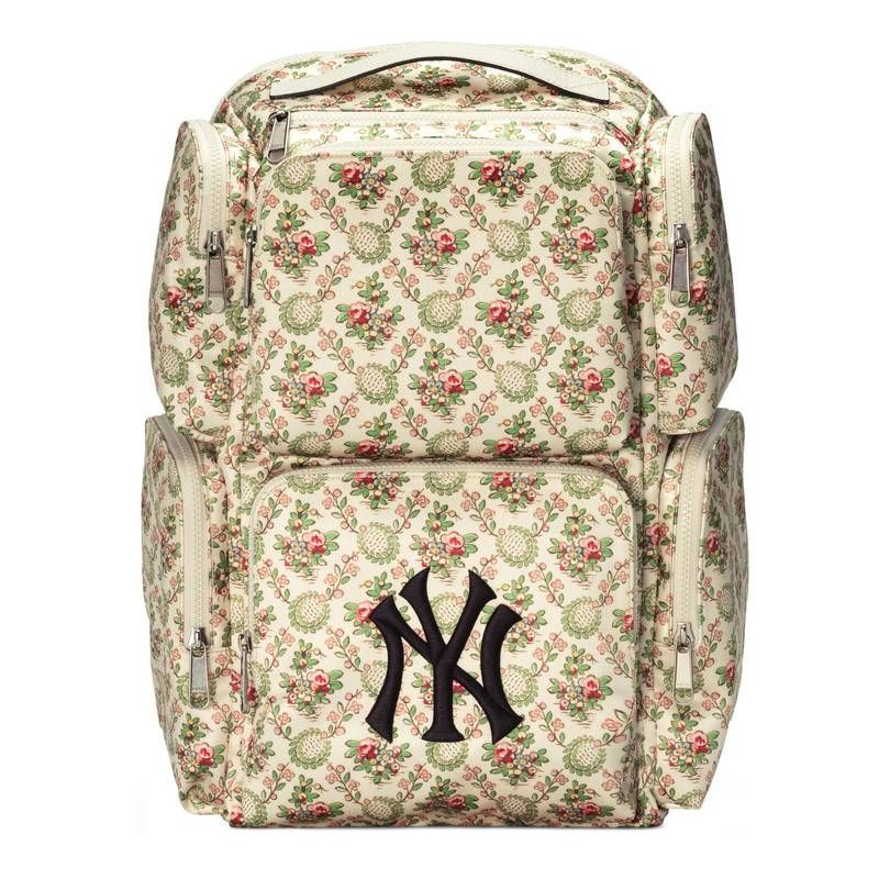 0a96cd759ca GUCCI LARGE BACKPACK WITH NY YANKEES TRADE  PATCH.  gucci  bags  lining   nylon  backpacks