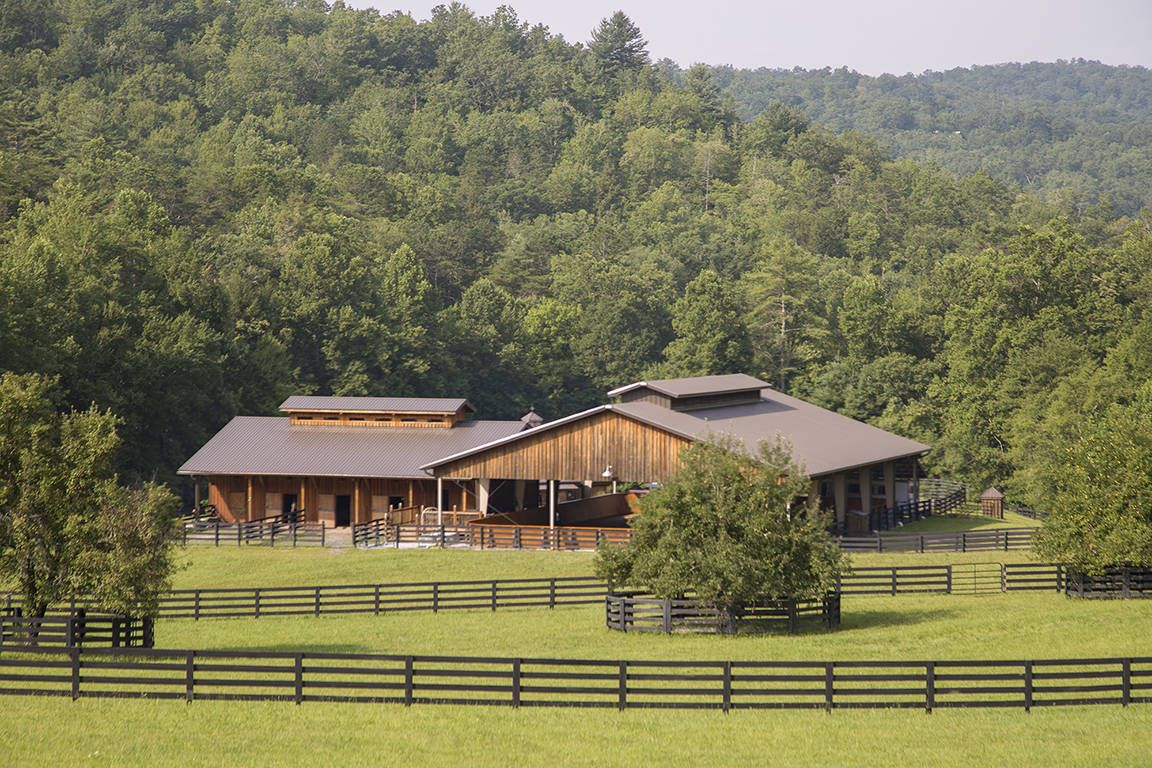 Pin By Just Livin Life On Barns Old Shacks Log Cabins Farmhouses Watermills Old Barns Barn Pictures Country Barns