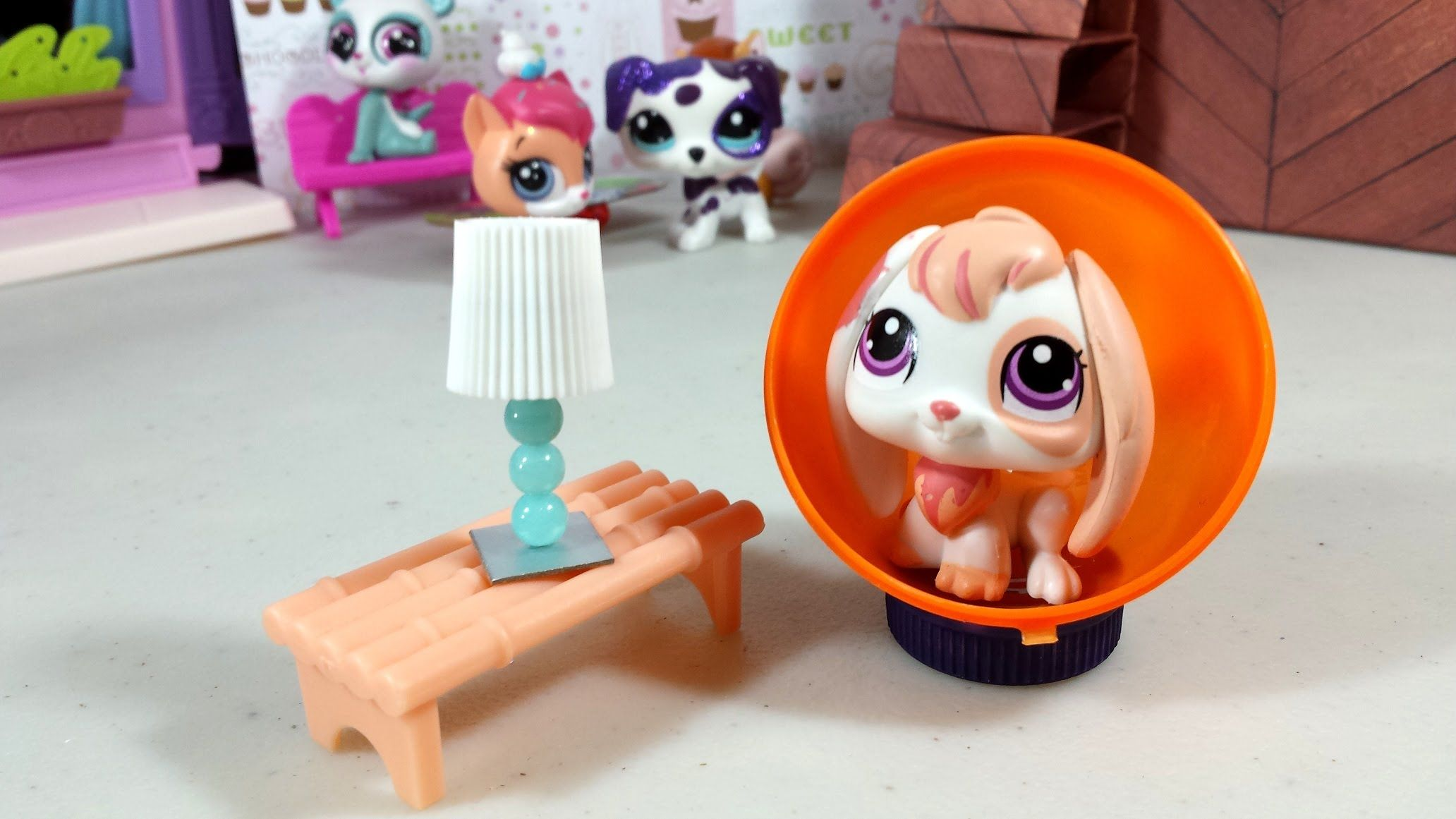 Easy Diy Custom Lps Doll Accessories How To Make A Tiny Lamp Dollhouse Furniture Lps Diy Accessories Diy Dollhouse Doll Furniture Diy