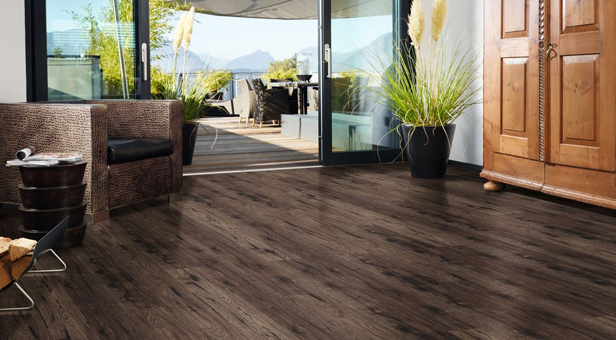 Vienna Hickory Bark 10 Mm Laminate Floor With Images Laminate
