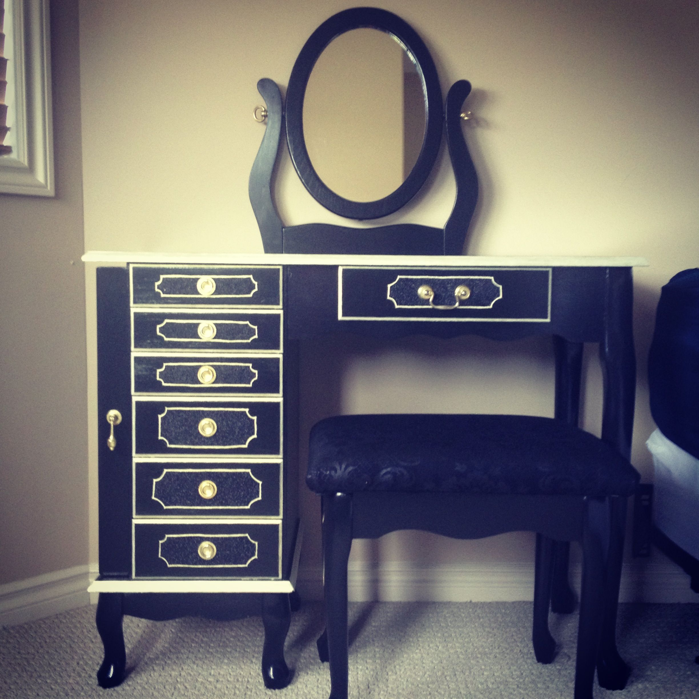 Oak black and gold makeup vanity i did this myself pinterest oak black and gold makeup vanity geotapseo Gallery