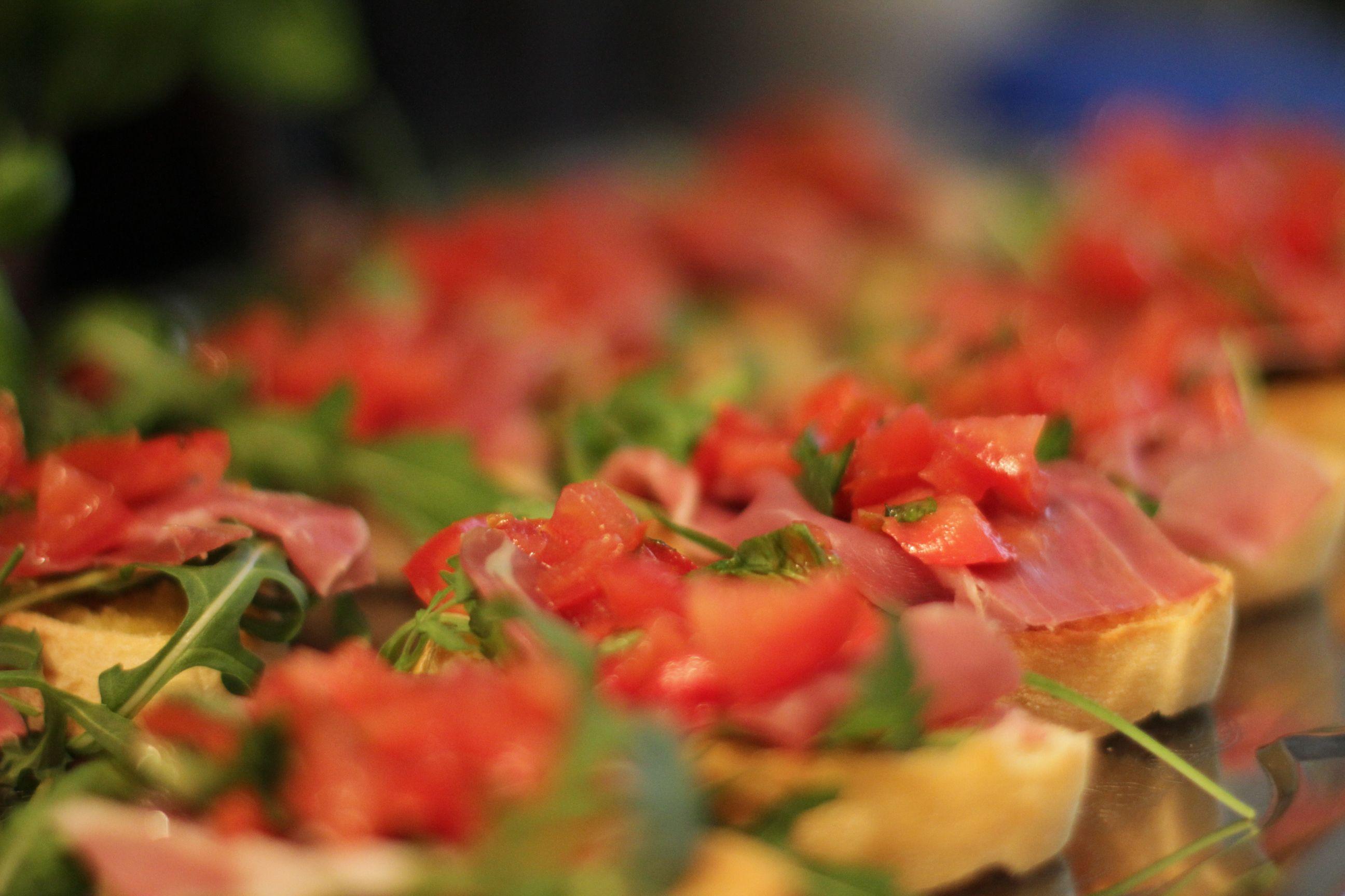 Crostini met parmaham en tomaat :: Ans passie voor koken :: recept