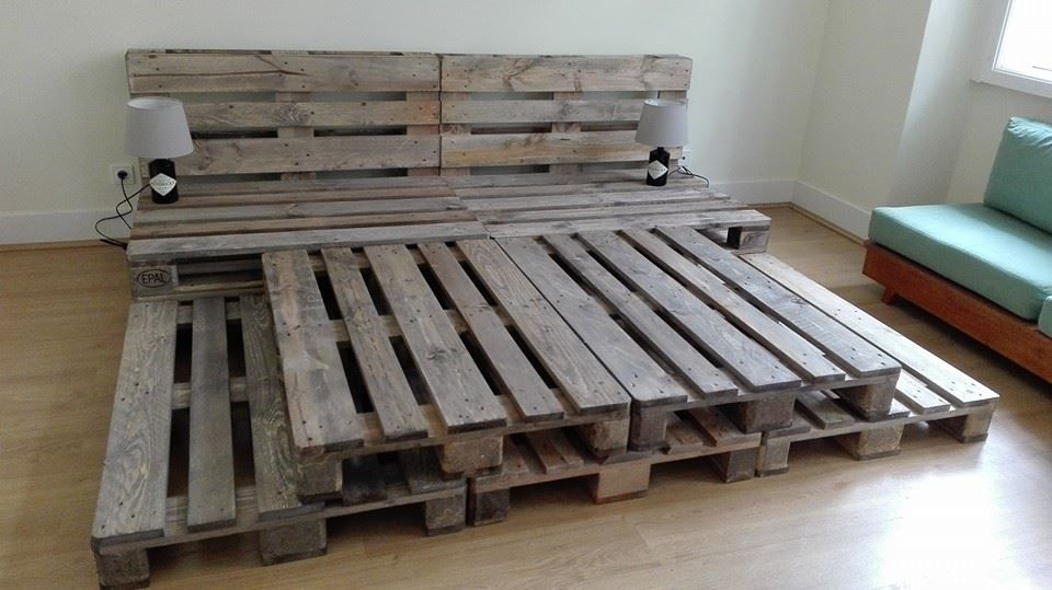 Whole pallet platform bed 150 wonderful pallet for Pallet bed frame with side tables