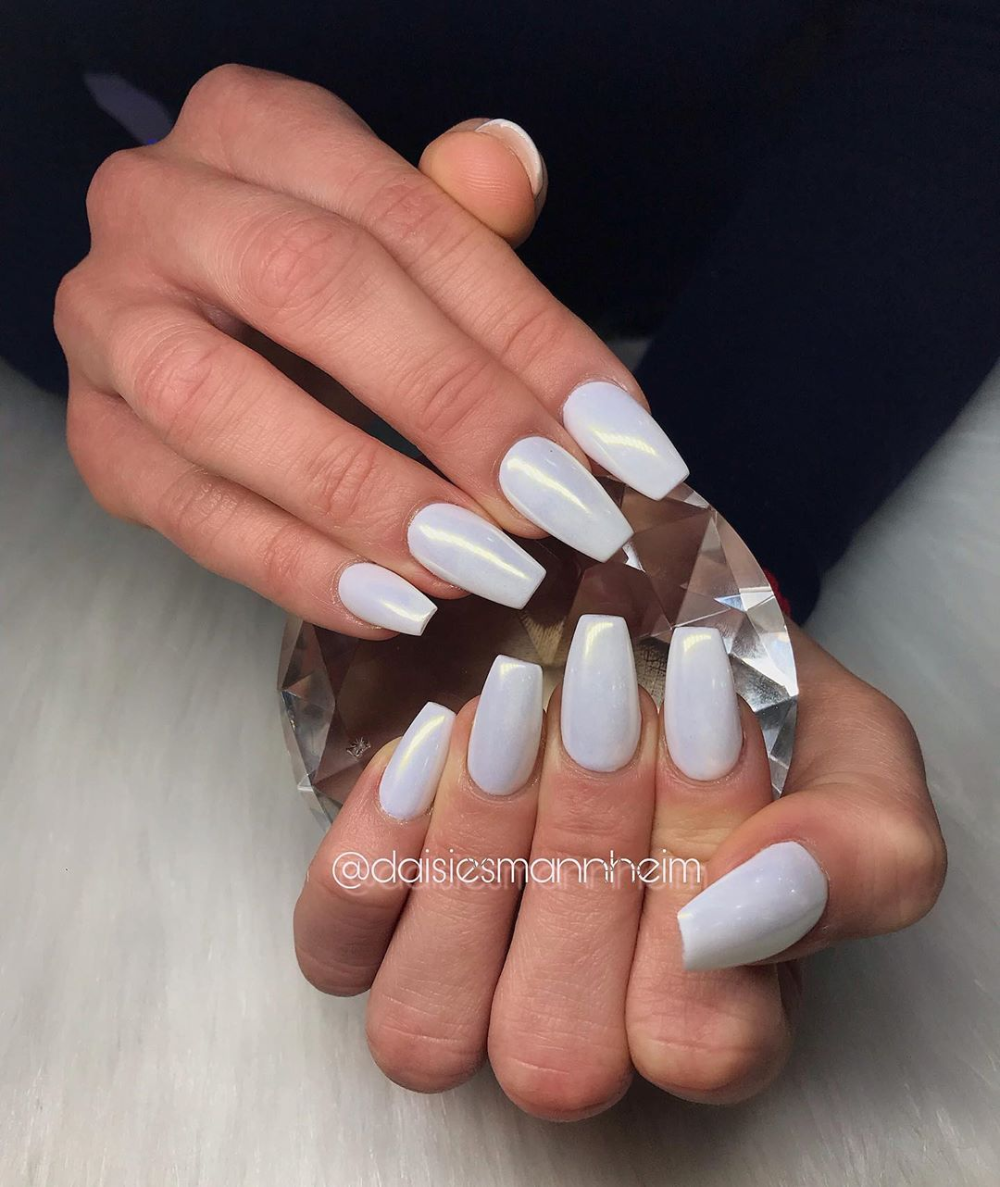 Chrome In White 20 Discount On Everything Until June 10th 2019 Nail Designs In 2020 Nail Designs Nails Nails Desing