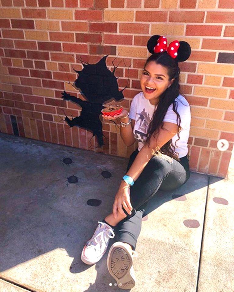 Photo of Von berühmten lila Wänden bis zu versteckten Edelsteinen: Die besten Orte, um in Disney Parks ein Foto zu machen