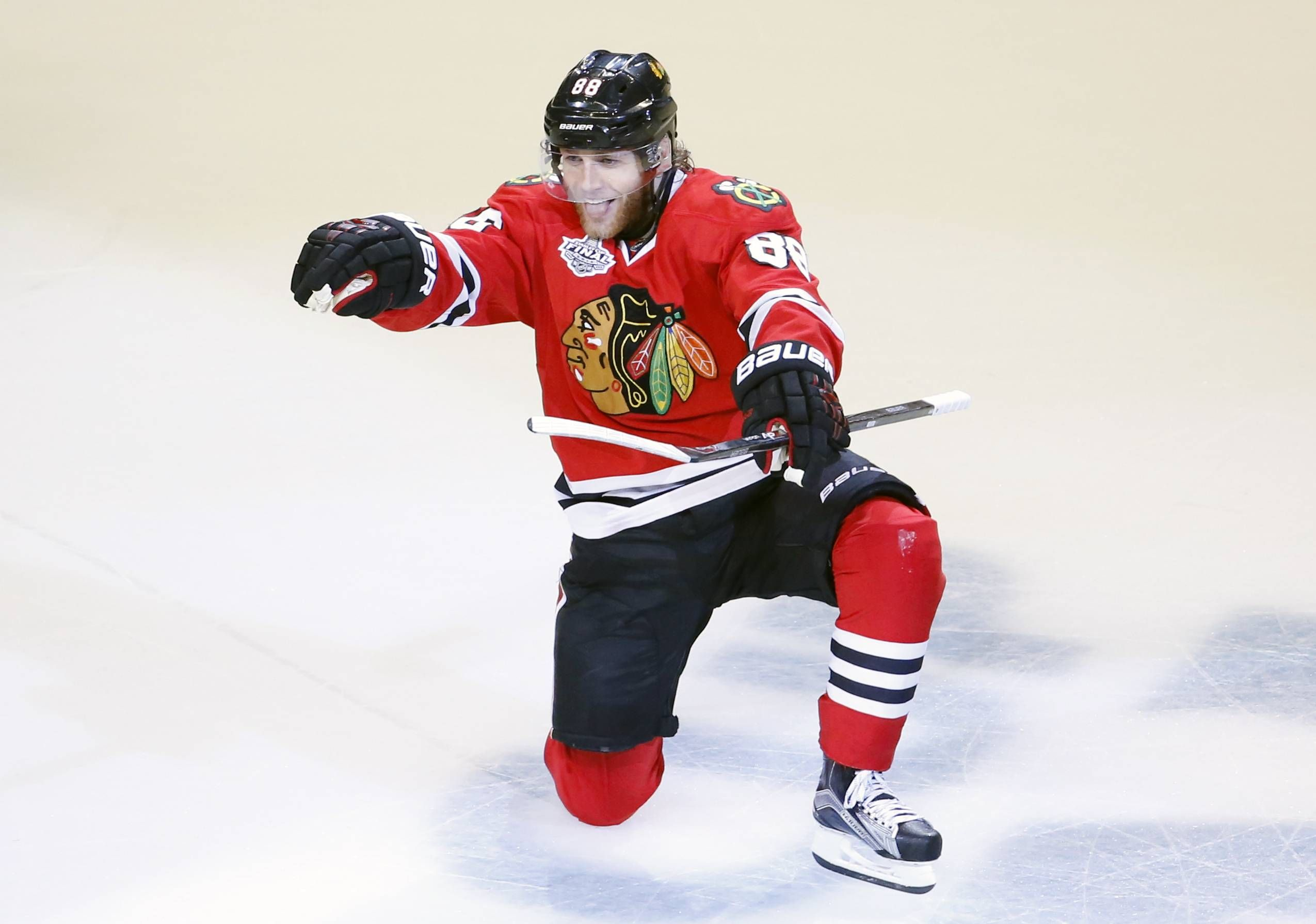Images Chicago Blackhawks Win The Stanley Cup Chicago Blackhawks Chicago Blackhawks Patrick Kane Chicago Blackhawks Hockey