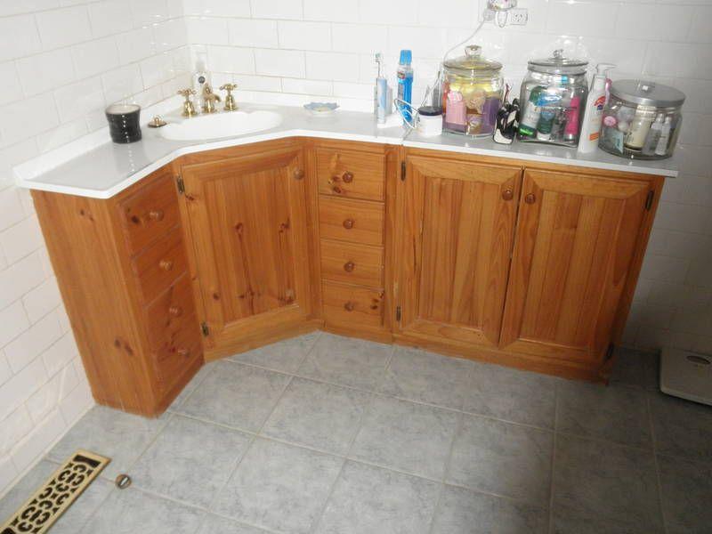 Best Corner Vanity Best Design With Images Diy Bathroom 400 x 300