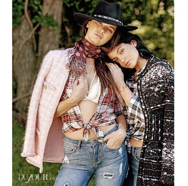 Kendall and Kylie Jenner. Fashion icons. Natural&fresh.