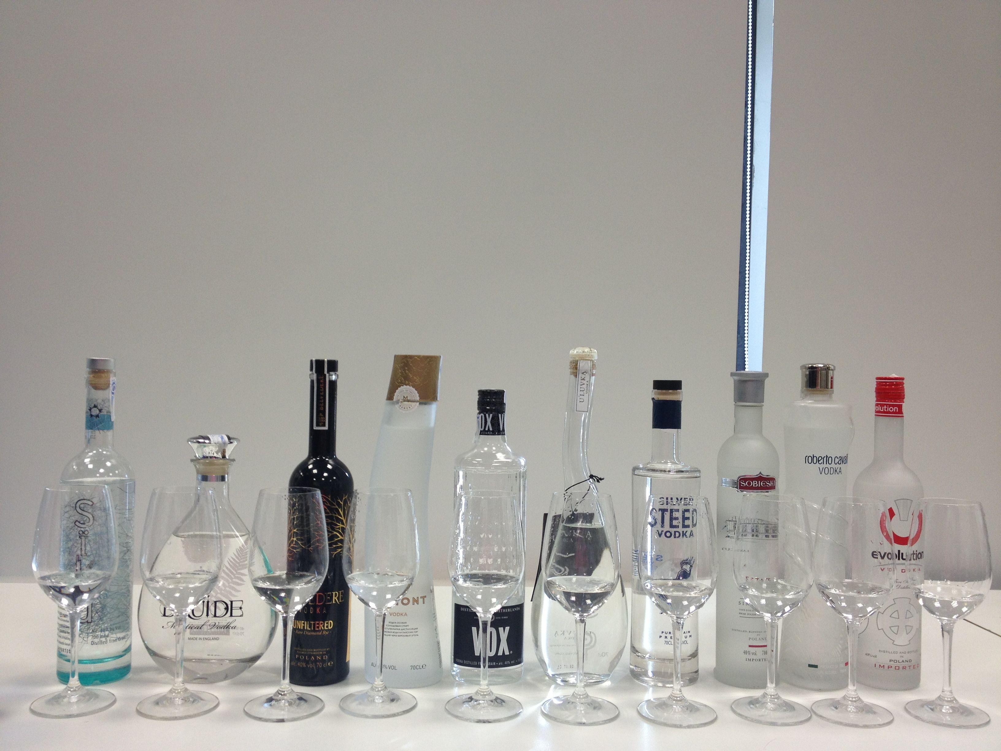 Cata de #vodkas para la Guía Peñín 2013 de los #Destilados