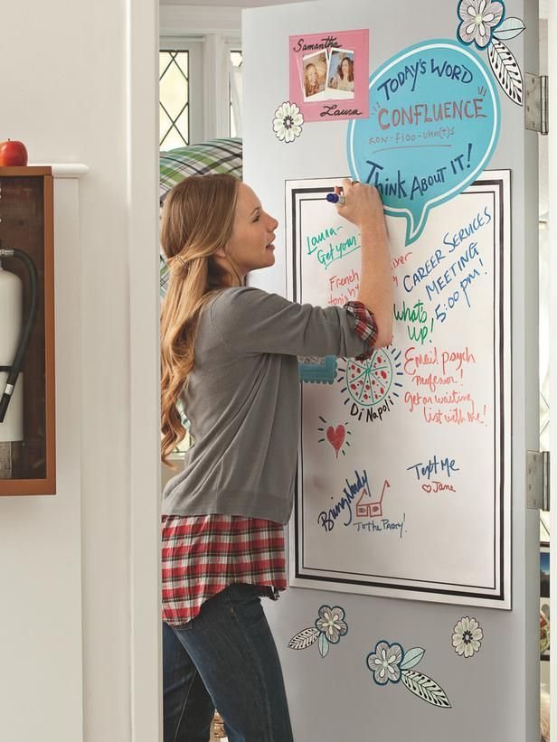 Attractive Dry Erase Board For Important Reminders And The Word Of The Day! Chic And  Functional Dorm Room Decorating Ideas : Wall Decals