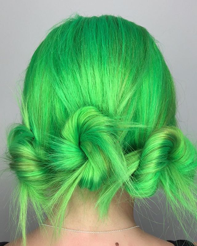 Martian crown... By @candicemarie702 #neon green hair