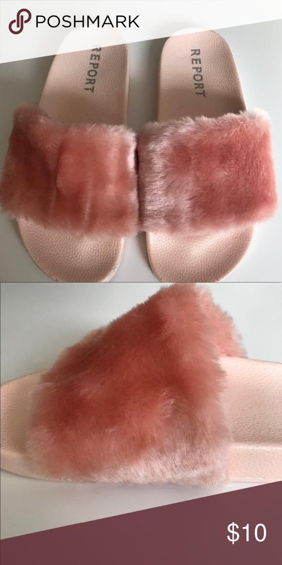 REPORT Pink Faux Fur Slide Sandal Size 10 Pink furry slide sandals ... 9a3474976693