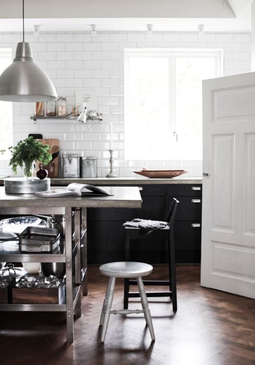 Love this kitchen. / Dark wood floors, tiled walls and ...